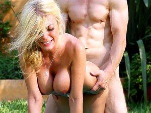 Big boobed princess Kayla Kayden takes that thick shaft doggystyle