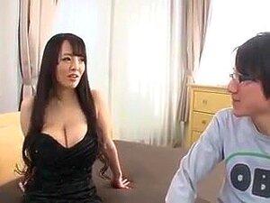 Hitomi Tanaka Tittyfuck, Hitomi tanaka uses her huge fun bags on a lucky guy s dick