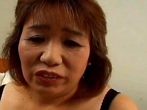 ไม่มีเสียง: Nakamoto คิริโกะผู้ใหญ่เขา