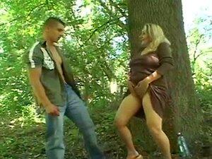 เพศสัมพันธ์ป่าสำหรับสกปรกนมแก่ ๆ ผมแดง